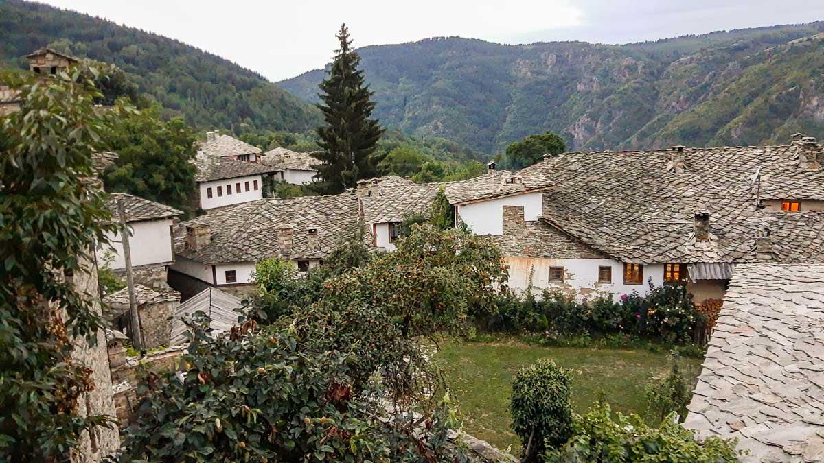 Старо село отвъд света...