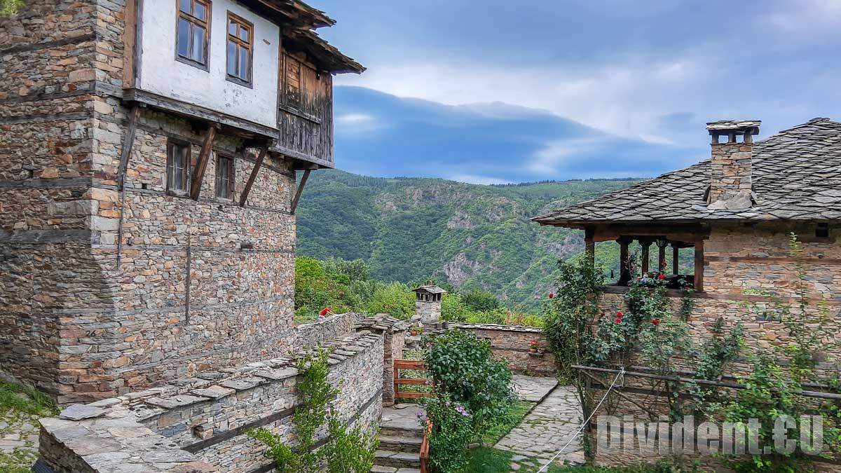 Каменното село Ковачевица всъщност е кръстено на...жена