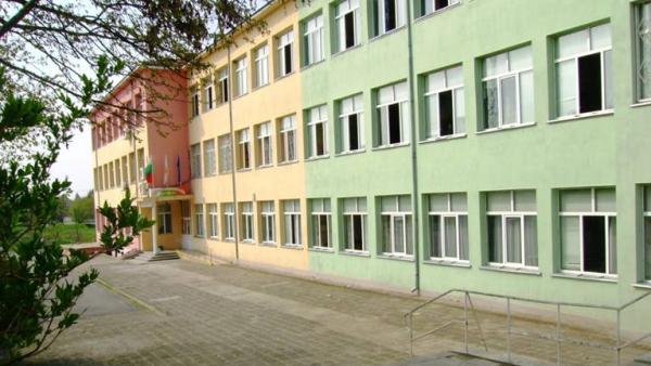 Педагог в Стара Загора и ученик в Раднево са с положителни тестове за коронавирус