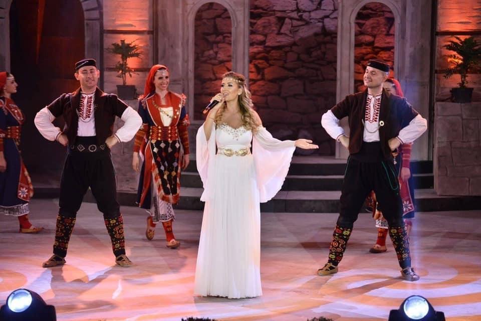 Певицата Камелия Тодорова ще представи Стара Загора на конкурса Мисис България