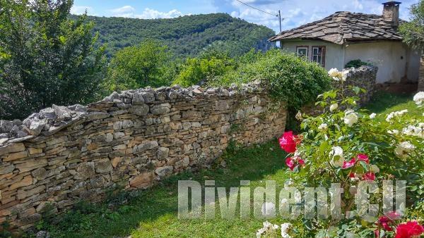 На разходка до любимото село на Невена Коканова - Иглика (видео)