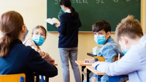 Единици са отказали да сложат маска в час в училищата на Стара Загора