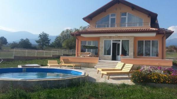 15 неизрядни къщи за гости ще връщат 4,5 милиона лева европейско финансиране