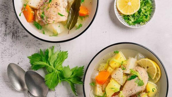 Пилешко варено със зеленчуци