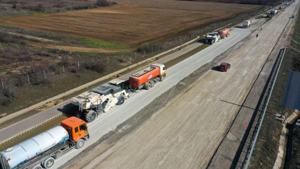 Тази седмица завършва ремонтът на 6 - километров участък  от АМ Тракия  до Чирпан