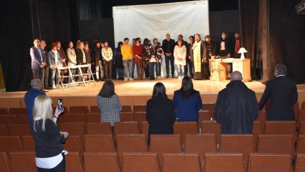 Премиера по Чудомир открива новата сцена на общинския театър в Казанлък