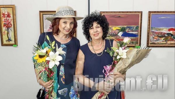 Две дами обличат светлината в цветове със съвместна изложба в Зала Байер