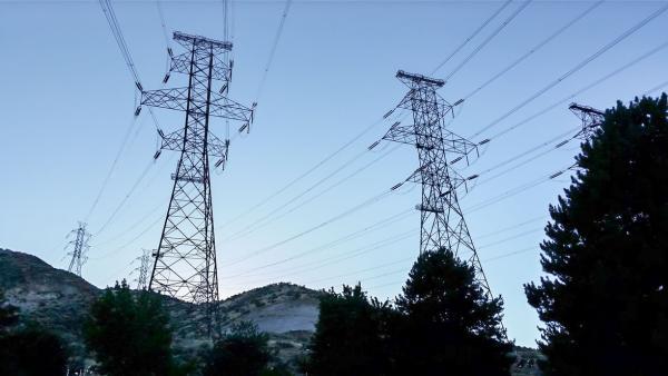 Рязък скок в цената на тока на свободния пазар за утре отбеляза БНЕБ