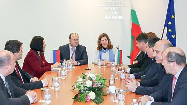 България и Русия подписаха двугодишна програма за съвместни действия в туризма